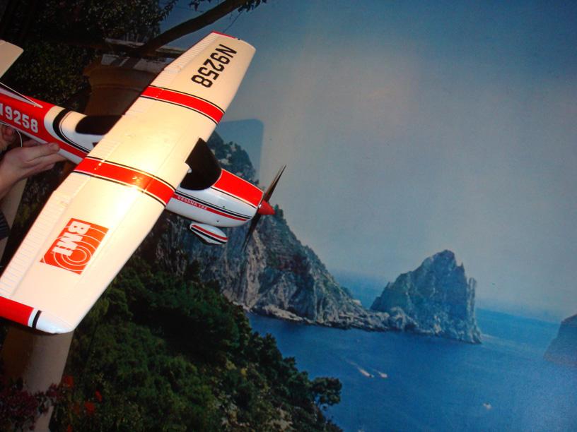 Secretarisvliegtuig in volle vlucht